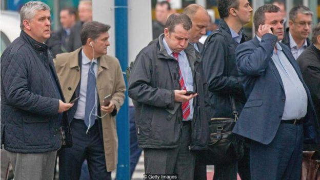 Nhiều người muốn giảm thời gian vào mạng nhưng lại thấy lo lắng một khi rời xa smartphone.