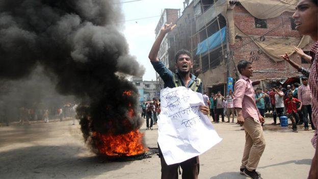 Bangladeş: Öğrenciler Öldürülen Genç Aktivist İçin Eylem Yaptı