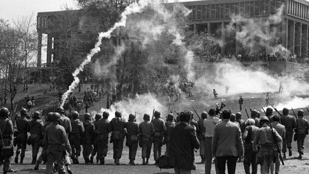 Protestas universitarias contra la guerra en Vietnam