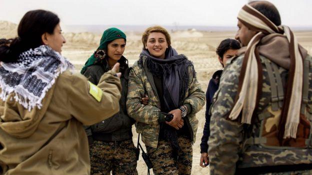 Fırat'ın Gazabı harekatına katılan SDG savaşçıları