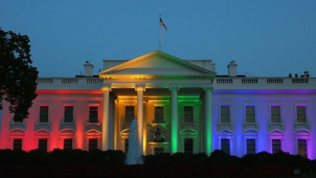 En 2015, la Casa Blanca se iluminó con el arcoíris que representa a la comunidad homosexual.