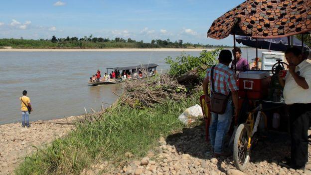 Embarcación con pasajeros que llegan desde Venezuela.