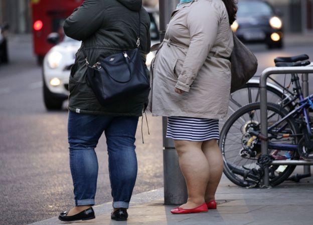 La vida excesivamente sedentaria también ha sido señalada como una de las principales causas de la obesidad.