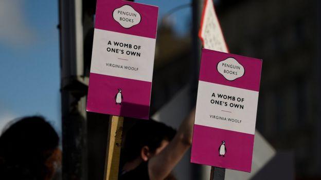 احتجاجات في دبلن بشأن الإجهاض