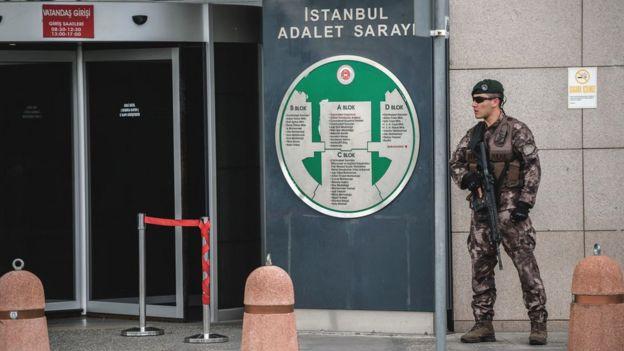 İstanbul'da bir özel harekat polisi