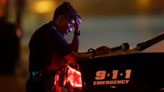 Una policía en Dallas