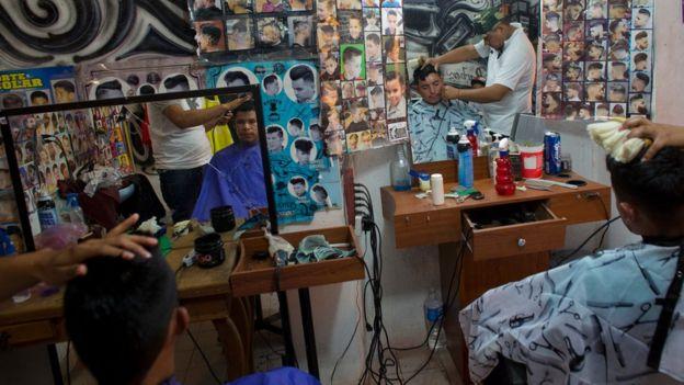 Barbería en Villa de Reyes.