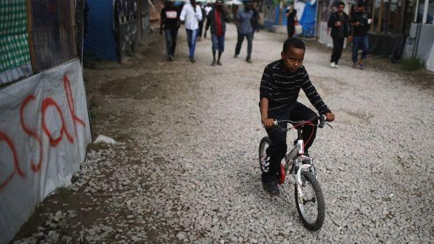 نهادهای خیریه تخمین میزنند که در اردوگاه