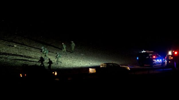 Israeli soldiers search the area of a shooting attack near Nablus, West Bank (Oct. 1, 2015)