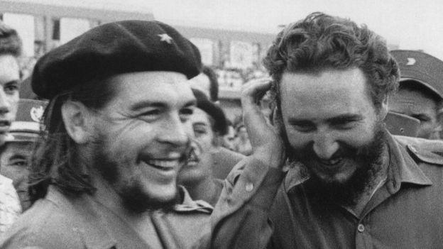 Ernesto Guevara y Fidel Castro