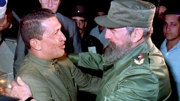 Hugo Chávez y Fidel Castro en una foto de 1994
