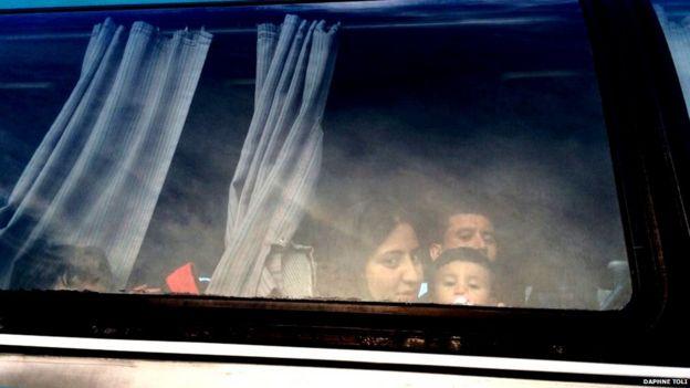 Familia en un autobús