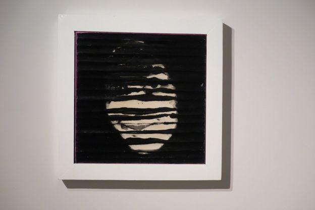 زن موضوع نمایشگاه آب سیاه