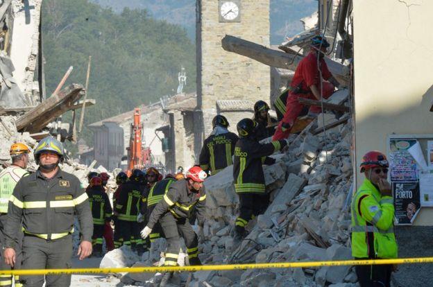 Amatrice rescuers, 26 Aug 16