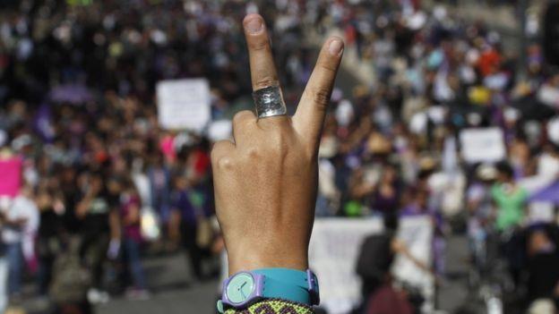 Crear redes de solidaridad entre mujeres es una forma de luchar contra el fenómeno, dicen las expertas.