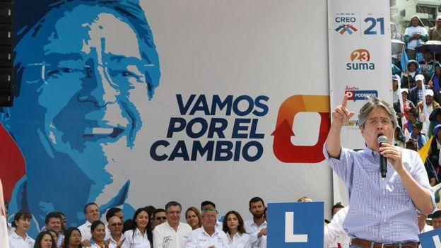 Guillermo Lasso en campaña electoral.