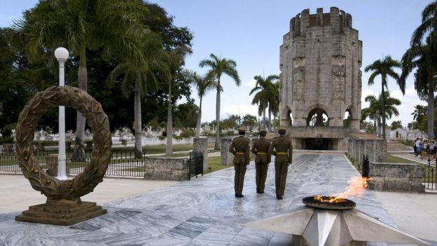 El mausoleo de José Martí en el cementerio de Santa Ifigenia.