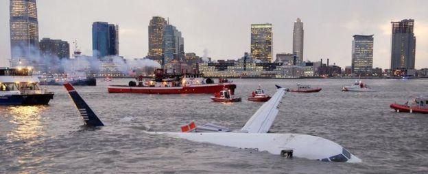 Airbus A-320 en el río Hudson