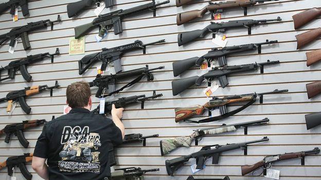 No existen cifras oficiales ni un registro único que permita conocer cuántas armas hay en Estados Unidos.