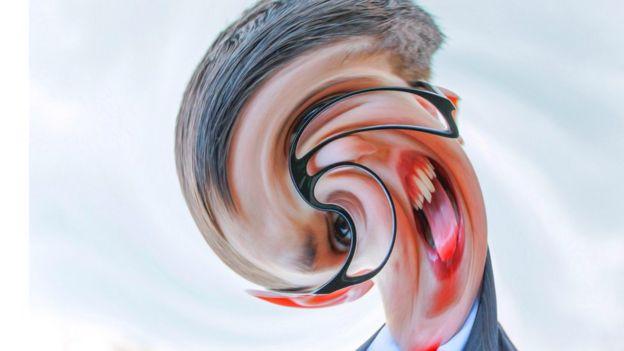 Cabeza distorsionada