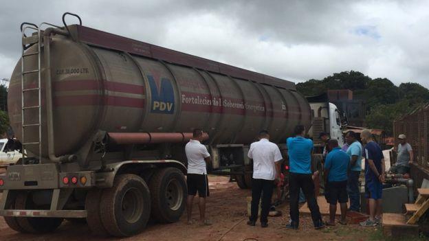 Un camión de PDVSA