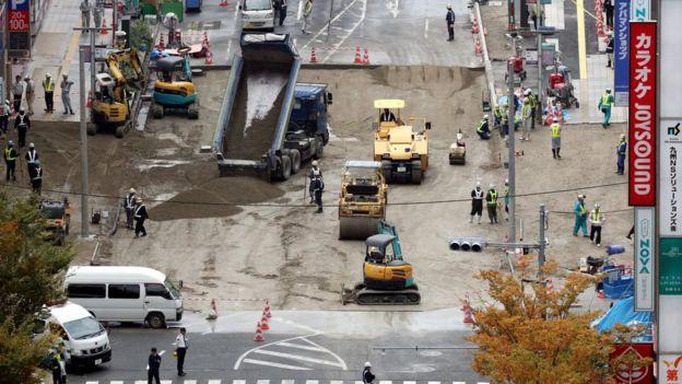 Obras de reconstrução da via em Fukuoka