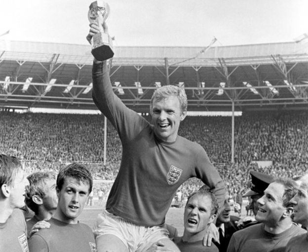 Bobby Moore with the Jules Rimet Trophy