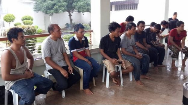 Indonesian sailors released by Abu Sayyaf rest at a local official's house in Jolo, Philippines (2 May 2016)