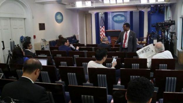 الموجز الصحفي لسكرينر البيت الأبيض، سيان سبايسر