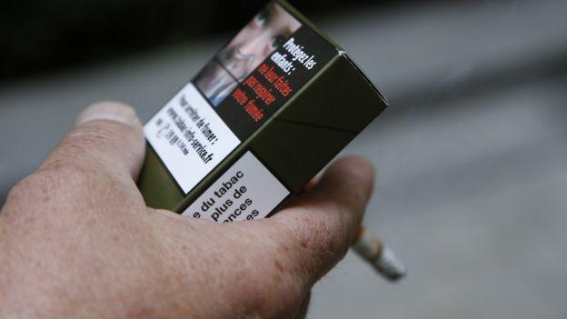 paquete de cigarrillo.