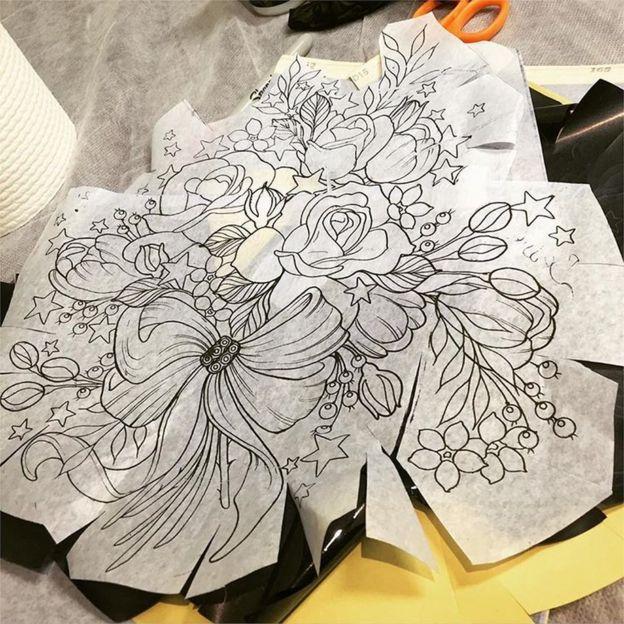 Desenho da tatuagem de Alison Habbal