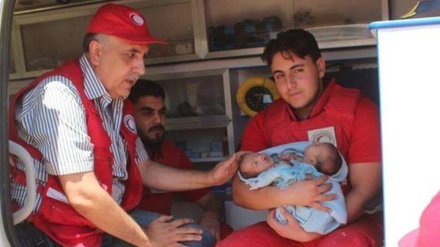 Varias personas con emergencias médicas están atrapadas en medio de la guerra en Siria.