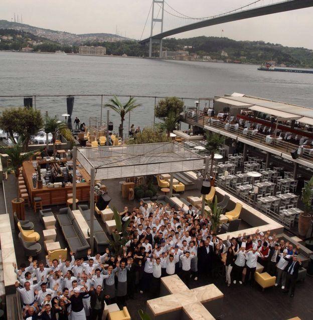 کلوب رینا یکی از مشهورترین اماکن تفریح شبانه در استانبول است