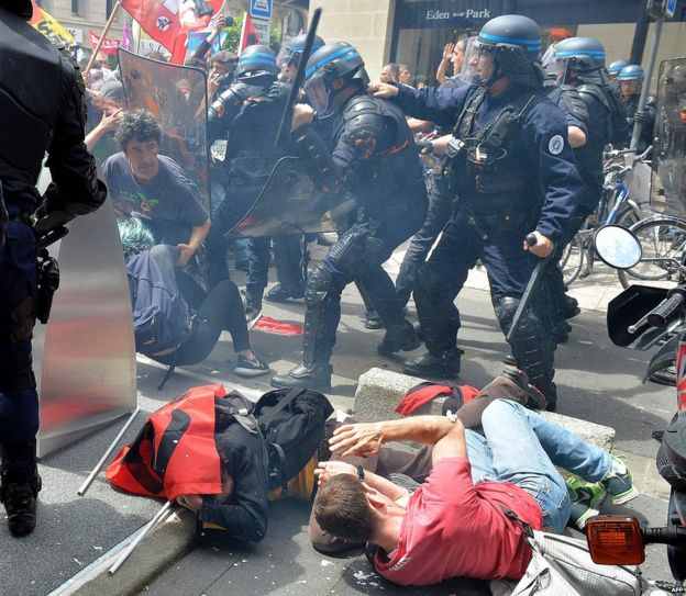 Clashes between police and protesters in Bordeaux, 26 May