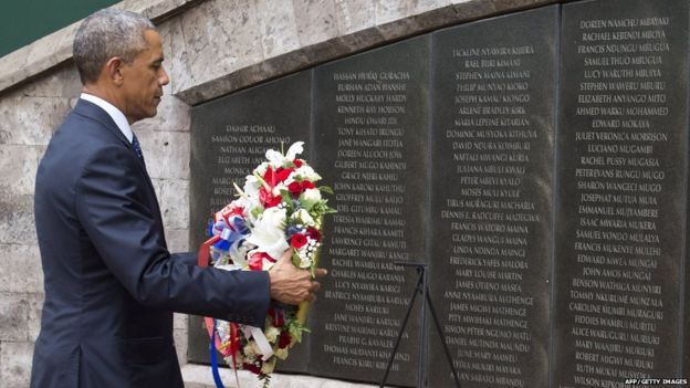US President Barack Obama lays a wreath at the Memorial Park in Nairobi