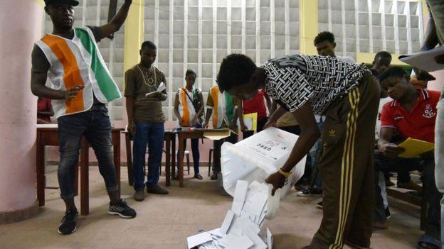 Le taux de participation de 34%. Un chiffre qui se situe dans la moyenne pour des élections législatives.