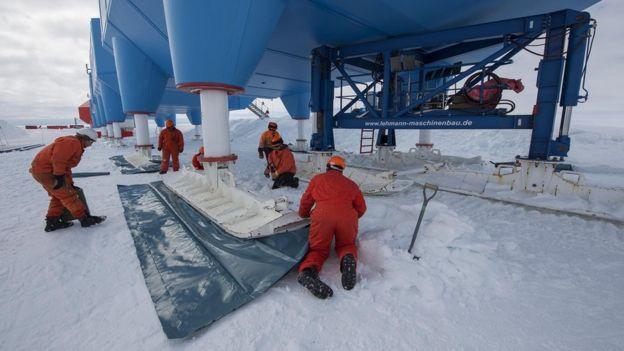Patas hidráulicas con esquí