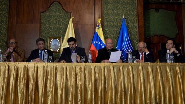 Mesa de diálogo en Venezuela.