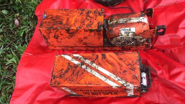 Las cajas negras encontradas en el área del accidente