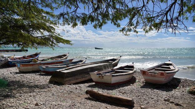 El grupo aborigen Tainos también dio origen al nombre Haití.