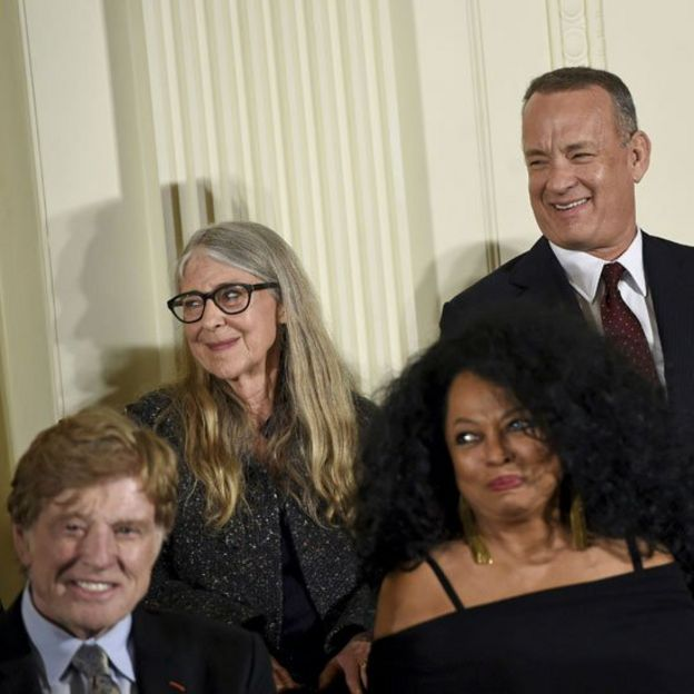 Margaret Hamilton junto a otros de los galardonados con la Medalla de la Libertar, Tom Hanks, Robert Redford y Diana Ross.