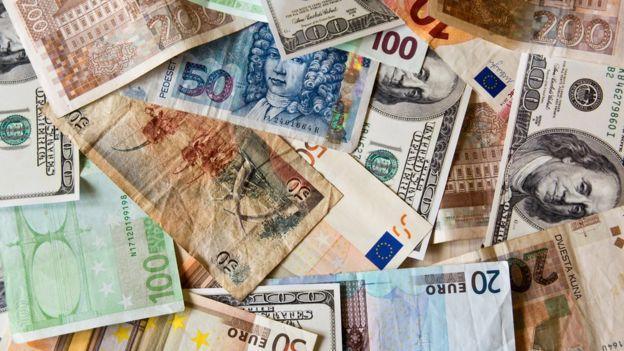 Dinero en papel