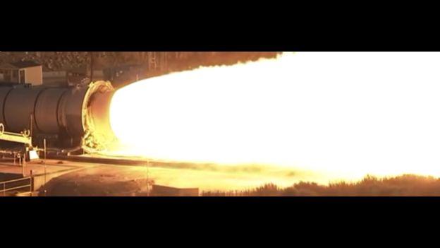 Imagen de las pruebas del motor QM-2 del Sistema de Lanzamiento Espacial de la NASA sin utilizar cámara HiDyRS-X.
