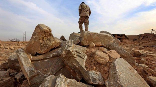 صور تظهر حجم الدمار الذي لحق بمدينة نمرود العراقية التاريخية على يد تنظيم الدولة الإسلامية