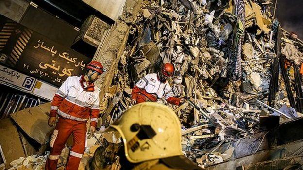 تلاش شبانه آوار برداری حادثه ساختمان پلاسکو