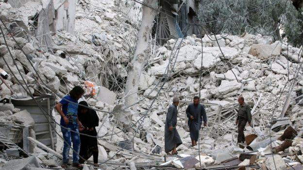 Halep'te yıkılan binalar