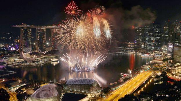 Fireworks explode above Singaporejk
