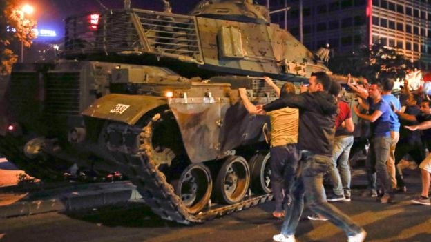 Ankara\'da darbe girişiminin mobese görüntüleri