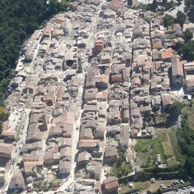 Aerial photo of Amatrice shows scale of damage