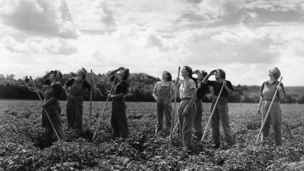 Mujeres trabajando durante la Segunda Guerra Mundial.